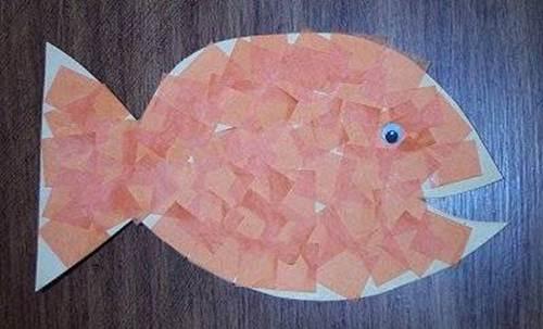Как сделать золотую рыбку из шёлковой обёрточной бумаги?
