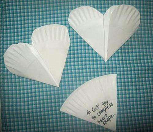 Вырежьте форму сердца