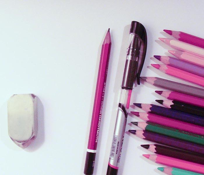 Приготовьте гелевую ручку, карандаш, лист бумаги, ластик и цветные карандаши