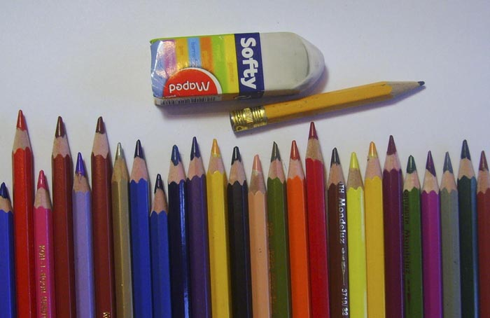 Приготовьте карандаши, ластик и бумагу
