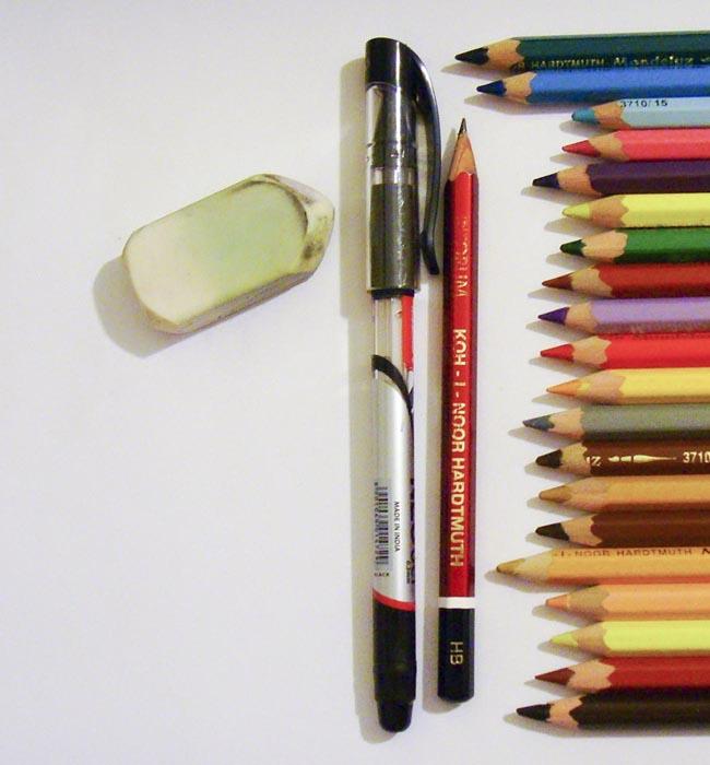 Приготовьте карандаши и гелевую ручку для рисования Клео Де Нил