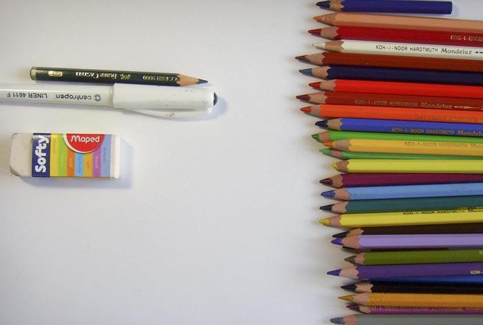 Приготовьте карандаши, ластик, гелевую ручку