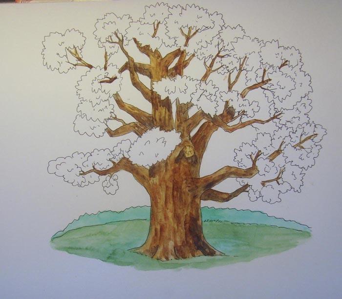 Сначала раскрасьте дерево и ветки. А затем зеленой краской закрасьте траву. Лес, находящийся вдали, покрасьте сине-зеленым цветом