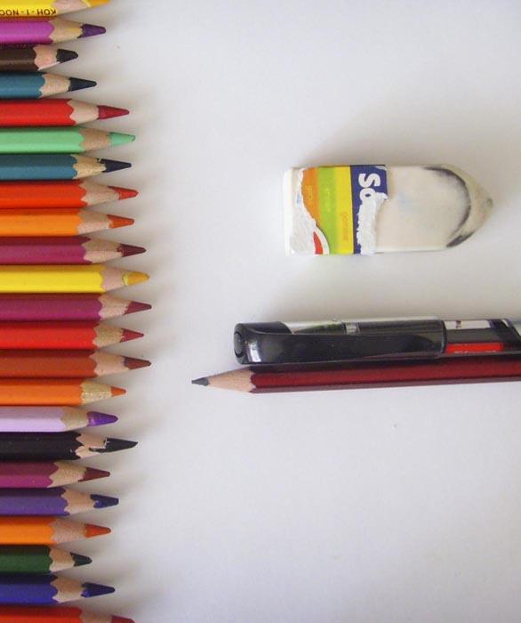 Приготовьте бумагу и инструменты для рисования Оптимуса Прайма