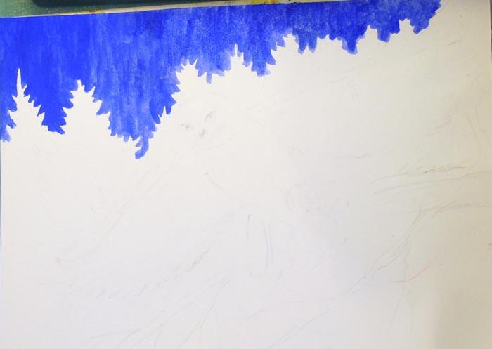 Синей краской, используя большую кисть, закрасьте фон. Используйте достаточно густую краску, мало разбавленную водой