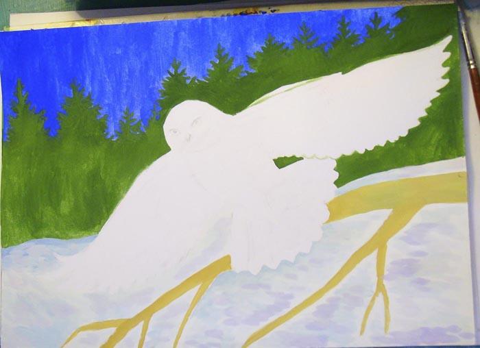 Светло-коричневым цветом раскрасьте ветку. Смешайте синюю и фиолетовую краски с белилами и короткими мазками изобразите снег