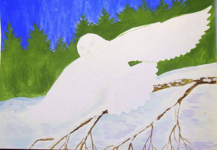 Нарисуйте темно-коричневой краской легкие штрихи на ветке. Когда краска просохнет, белилами нарисуйте снег на ветке