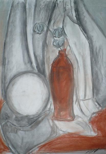 Первый Олин натюрморт (рисунок углём)
